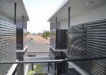 Horizontal Slat Balcony Screens