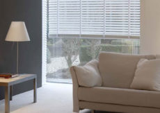 Polyresin White Venetian Blinds
