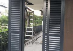 Sliding By-pass Aluminium 90mm Louvre Blades Shutters